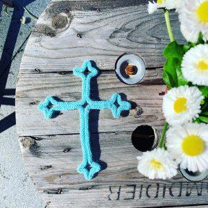 croix communion au tricotin